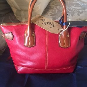 Dooney & Bourke Bags - Lightly used red Dooney purse